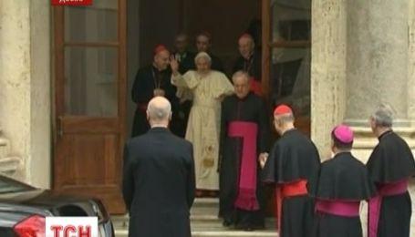 Экс-Папа Римский публично опроверг обвинения в защите священников-педофилов