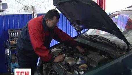 Утилізаційний збір майже зупинив ринок нових авто