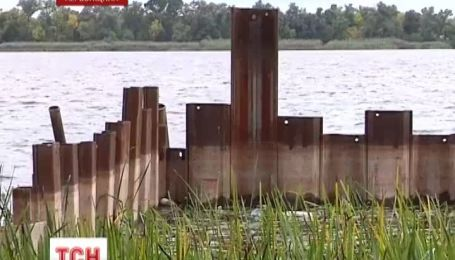 Скандальное разрушительное строительство на берегу Днепра признали законным