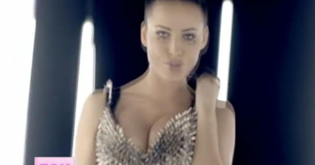 Порно видео постановка королева 11