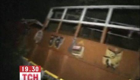 Десятки людей загинули в аварії вантажівки, яка перевозила індійських паломників