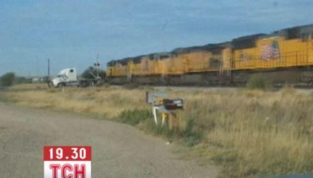 У Техасі потяг на повній швидкості протаранив фуру