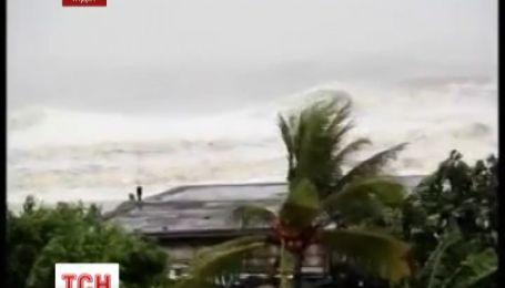 Через ураган українцям не радять їхати до Індії