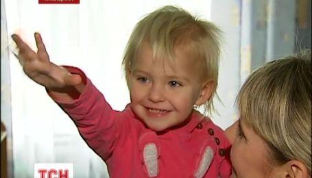 Батьків дворічної дівчини розшукує міліція Києва