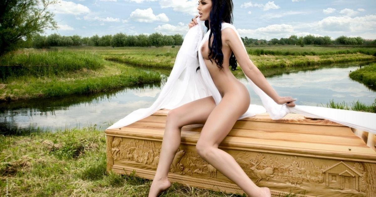 Красиве фото дівчат голих