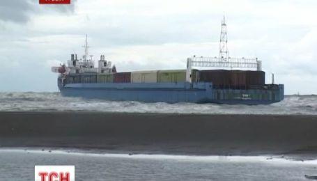 Украинские моряки до сих пор остаются заложниками последствий шторма в Поти