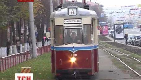 На вулицях Вінниці з'явились трамваї столітньої давності