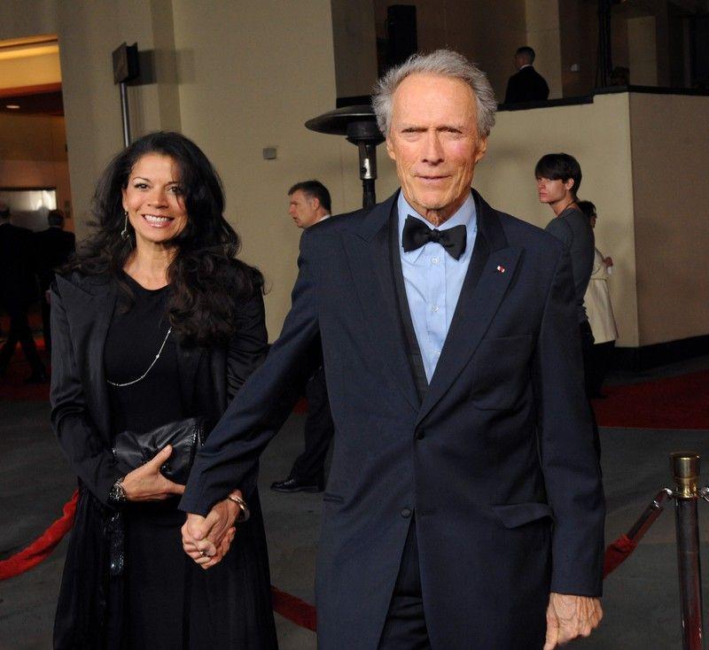 Клинт Иствуд с женой