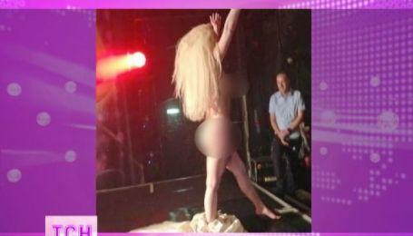 Леди Гага разделась на сцене одного из гей-клубов Лондона