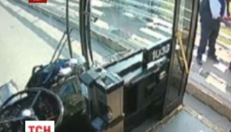 Нью-йоркский водитель спас самоубийцу