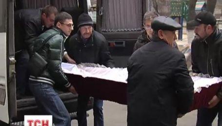 В Киеве столкновение между жильцами и строителями переросла в смертельную кровавую бойню