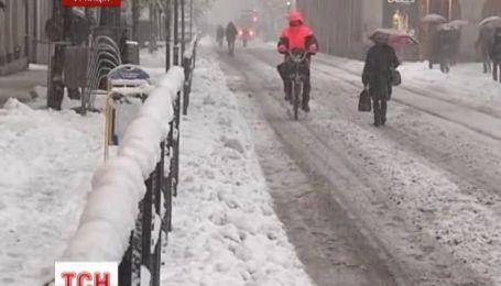 Францию накрыл 40-сантиметровый слой снега