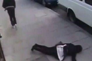 """В США подростки играют в """"Нокаут"""", избивая прохожих до потери сознания"""