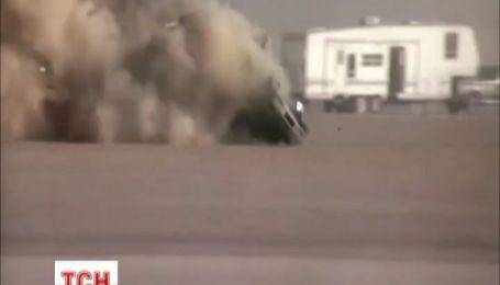 На шоу в Калифорнии пилот выжил в невероятной автокатастрофе