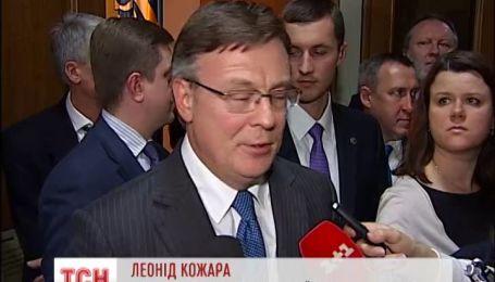 Янукович не отказывается от поездки на саммит в Вильнюс