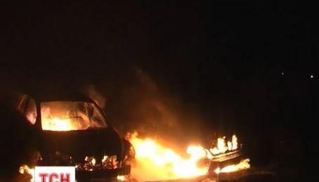 Сразу три автомобиля сгорели минувшей ночью в Сумах