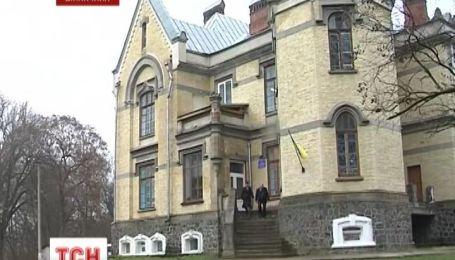 На Вінниччині діти навчаються у розкішному палаці