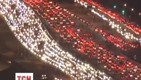 """В Лос-Анджелесе из-за """"массовой миграции"""" на День благодарения образовались километровые пробки"""