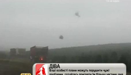 Интернет покорил искусный пилот вертолета