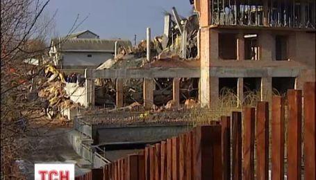 На Київщині недобудований дім впав на робітників