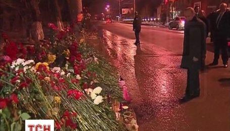 Путин в Волгограде вспомнил жертв терактов и посетил пострадавших