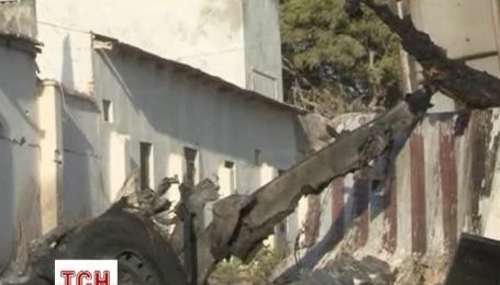 Біля готелю в столиці Сомалі підірвали три заміновані автівки