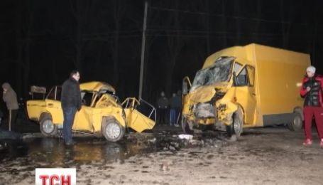 Четыре человека погибли и пятеро травмированы в аварии на Буковине