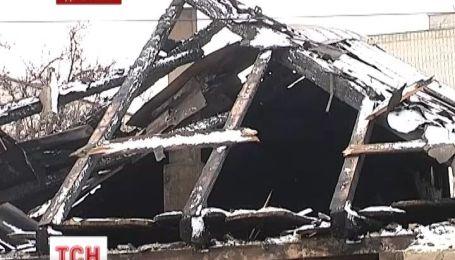 На Донетчине женщина с двумя сыновьями попала в больницу из-за взрыва дома