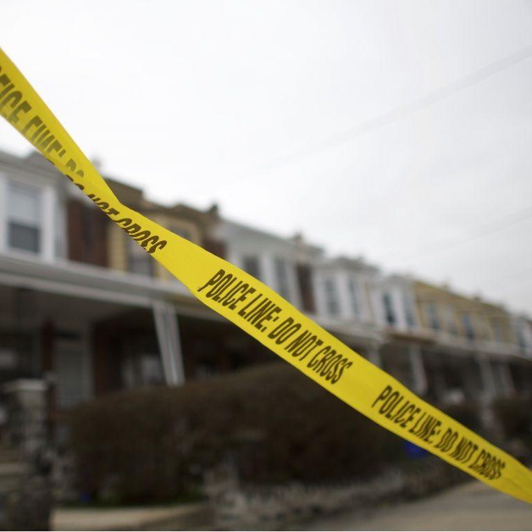 У США13-річна дівчинка занаказом матері поховала 4-річну сестру на подвір'ї