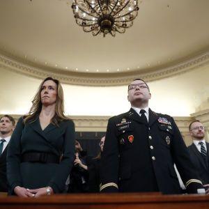 Пропозиція американцю очолити Міноборони України та скандал із делегацією США на інавгурацію Зеленського. Нові свідчення в справі імпічменту Трампа