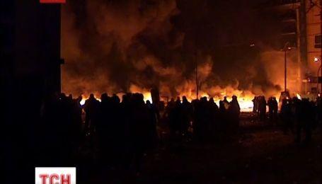 На Грушевського палає житловий будинок