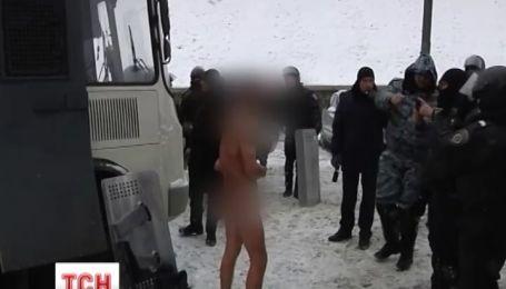 """Чоловік, якого знімали на відео бійці """"Беркута"""", живий та у безпеці"""