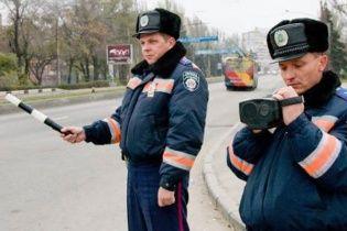 На Тернопольщине 15 неизвестных в масках избили ГАИшников