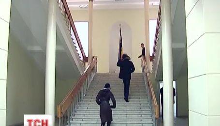 Днепропетровский облсовет снял колючую проволоку