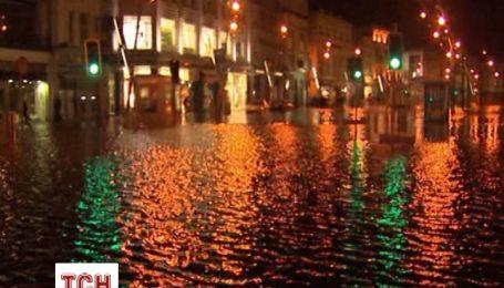 Ураган затопил города в Ирландии