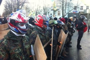 В Киев прибыло восемь автобусов протестующих из Львова