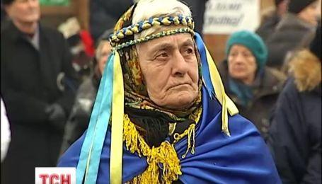 Українці почали писати революційну поезію