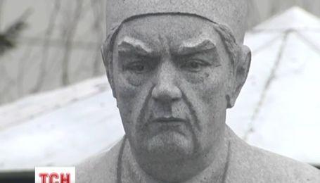 Великому лікарю Шалімову встановили пам'ятник