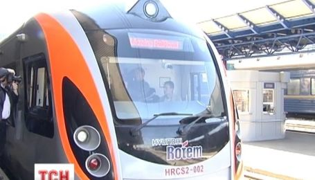 Укрзализныця вернула миллион гривен пассажирам за приобретенные билеты