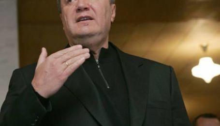 Янукович назвав дострокові вибори заколотом