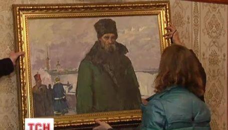 На Межигірське мистецтво зазіхають мародери