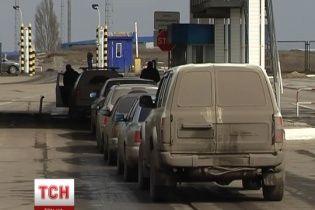 Луганские пограничники говорят, что танков и украинских беженцев вблизи границы с Россией нет