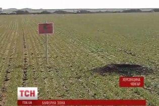 У Чонгарі через російські БТРи та міни селяни не можуть розпочати посівну