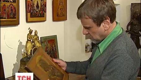 Янукович оставил в Межигорье самые дешевые картины