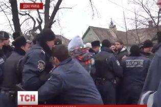 """Военные части Донетчины разблокировали, а """"народных ополченцев"""" арестовали"""