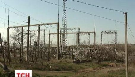 «Укрэнерго» настаивает, что Крым был без света из-за ремонта проблемных участков