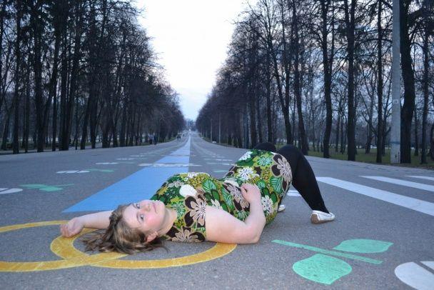 """22-летняя русская шпионка в Сети хвастается """"коммунистическим прошлым"""" и выкладывает фото с Майдана"""