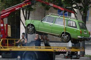 Начальник ДАІ заборонив ставити автівки українців на штрафмайданчики