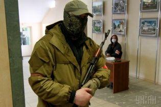"""На Житомирщине заметили """"зеленых человечков"""", которые готовят провокации на 9 мая"""