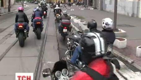 У Києві байкери провели щорічний пробіг до монастиря